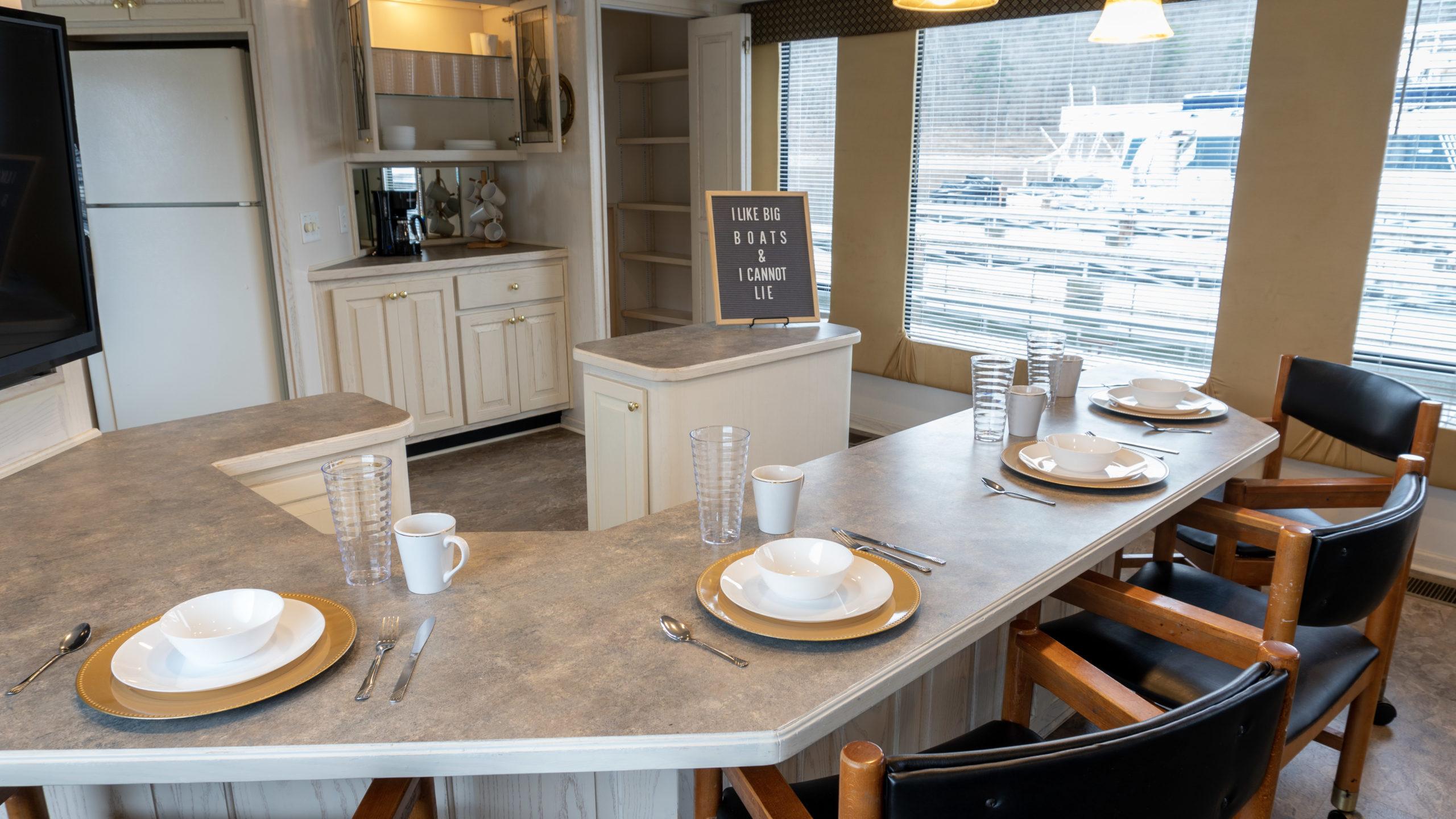 houseboat rentals kitchen