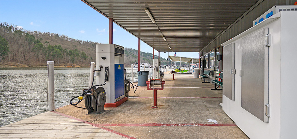 Beavers Bend Marina fuel dock image